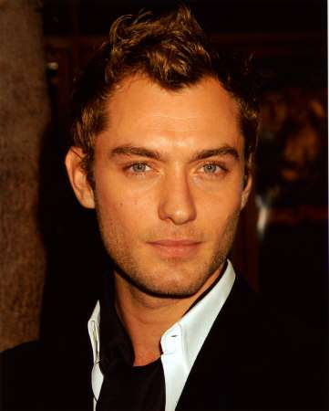 So Ive never payed any particular interest in Jude Law before i saw him in ...